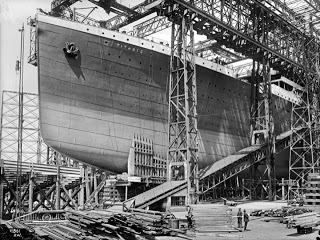 titanic-gantry